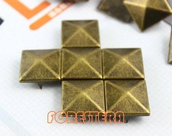 20mm Antique Brass Pyramid Stud Punk Rock Leathercraft Stud (BP20)
