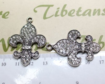 2 pcs per pack 39x26mm Clear Rhinestone Fleur de Lis Pendant in antique Silver lead free Pewter