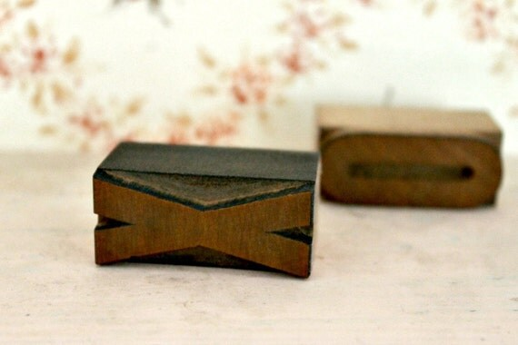 "Vintage Letterpress ""XO"""