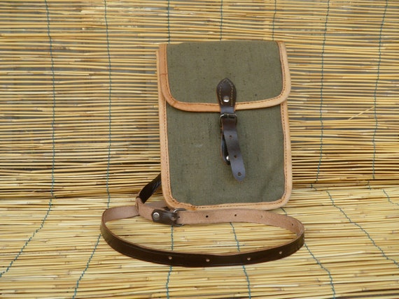 Vintage 1950's Army Officer Green Canvas With Leather Shoulder Strap Bag