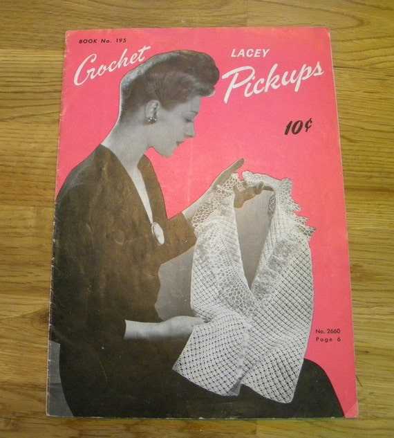 1943 Crochet Pattern book Spool Cotton Company vintage
