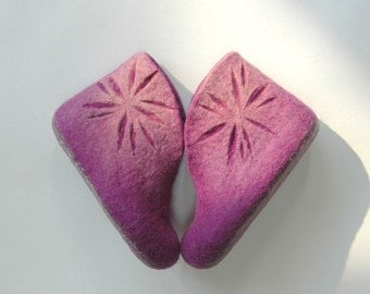 Hand felted children slippers Home shoes Lilac Lavender Flowers Children shoes Summer colors Traditional felt High quality 100% wool Gift