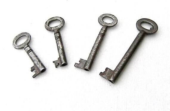 Four Old Vintage Keys, Vintage Keys, Old Barrel Keys, Four Old Padlock Keys for Home Decor Altered Art
