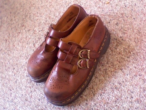 Vintage 90's Dr. Doc Martens brown oxford maryjane Shoe size uk 5 (usa 7)