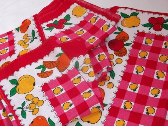 Tableclothes Apple s six Peaces 70s original Vintage very  colourful