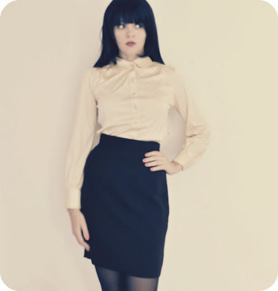 Cream Blouse with Peter Pan Collar and Square Buttons Womens Size Small
