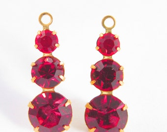 2 Vintage Light Siam Swarovski Crystal Drops Charms Pendants Cr24
