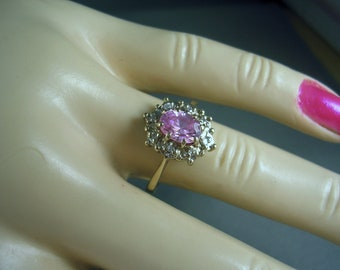 European Pink Ice and Diamond Ring 1.08 carats 9K Yellow Gold Daisy style ring size 6.75 3.1gm 1970s