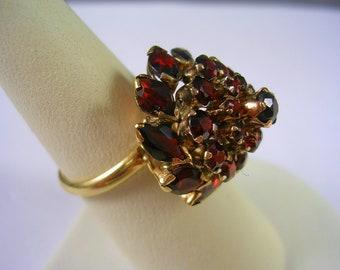 Vintage Red Garnet Thai Princess or Harem Ring 14K YG Size 7 January Birthstone 5 gm