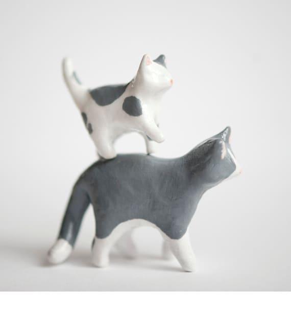 Le Gray Cat & Kitten Totem Set