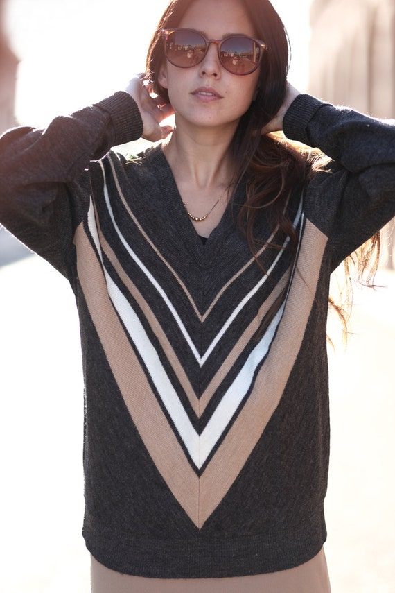 Chevron Striped Heather Grey Ivory Vneck Pullover Sweater - Vinnie