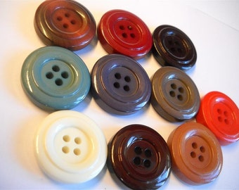 10 beautiful  buttons -1 inch  - lot col4