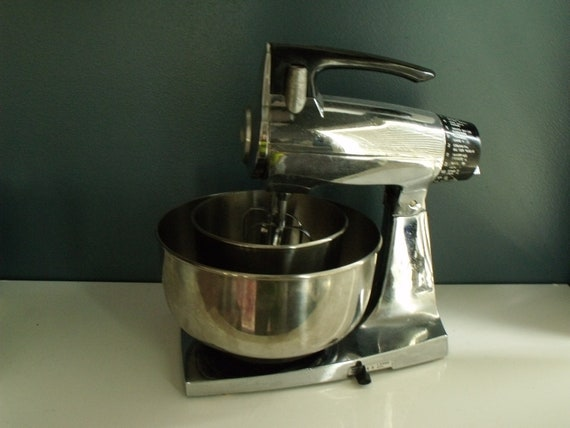 Sunbeam Mixmaster Stand Mixer Chrome 12 Speed Vintage By