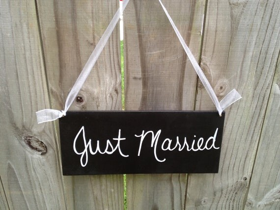 Black and White Just Married Wedding Hang Sign