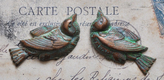 Left and Right Chubby Sparrow Stampings, Honey Green Patina - Supplies - by CalliopesAttic