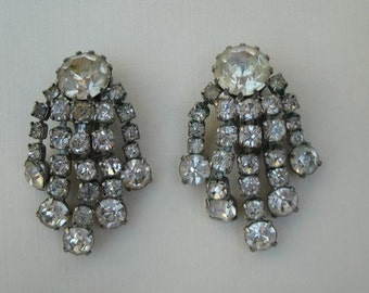 Vintage Weiss Clear Rhinestone Earrings - RS Clip On Earrings