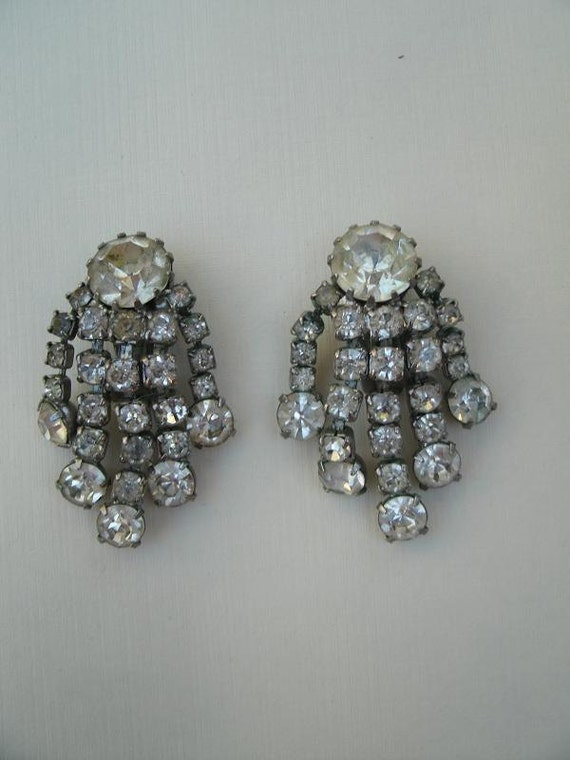items similar to vintage weiss clear rhinestone earrings on etsy. Black Bedroom Furniture Sets. Home Design Ideas