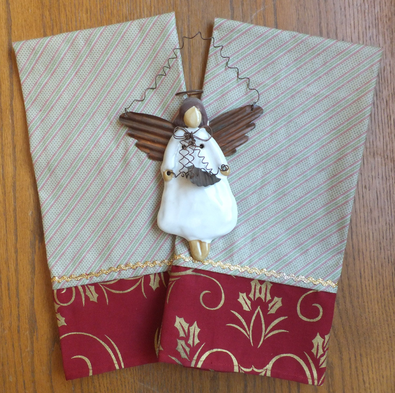 Kitchen Towels Xmas: 2 Christmas Dish Towels Tea Towels Hostess By Juliegalbraith