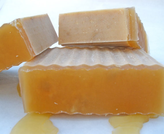 Honey (L'Occitane type) enriched with 100% goats milk, honey, cocoa and shea butters