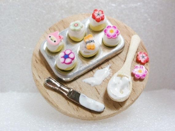 Baking cupcakes Ring.  Polymer Clay.