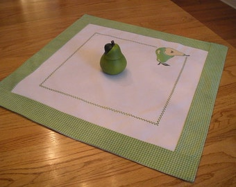 Pear Tablecloth in Green