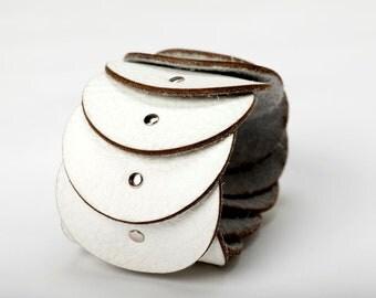 Modern Leather Circle Bracelet - Pattern Leather Bracelet - Luna Leather Bracelet