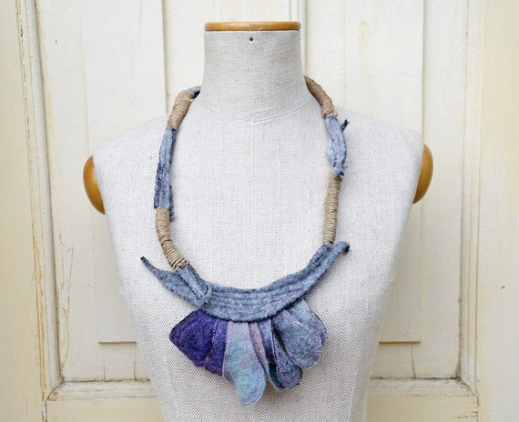gray, violet, lilac wool felt and natural linen twine OOAK necklace, Hand made, unique fashion accessory, felt flower jewelery, zip, clasp