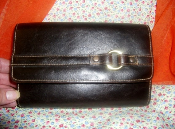 Vintage Brown Leather Wallet Built in Checkbook, Credit Card Holders Coin Change Purse Only 4 USD