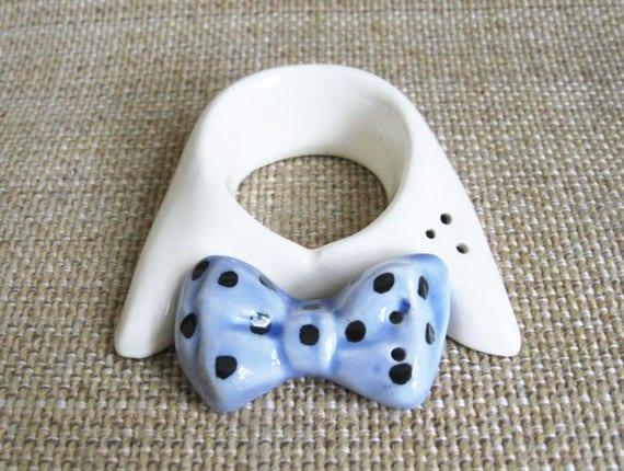 Vintage Shirt Collar & Tie Salt and Pepper Shakers - Retro Mid Century Mens Clothing Blue and White - Vintage Salt and Pepper Shakers