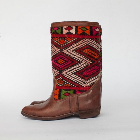 Carpet kilm boots size 8