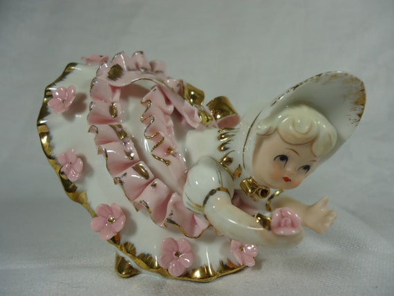 Lefton Bloomer Girl in a dress of pink and white