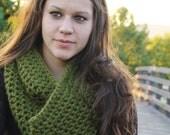 Crochet Infinity Scarf Chunky- Olive Green- SIZE MEDIUM