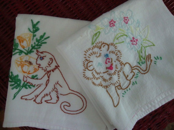 VTG Embroidered Dish Towel Pair: Monkey and Lion