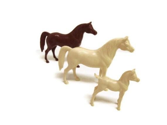 VTG Hartland Plastic Horses: Set of 3