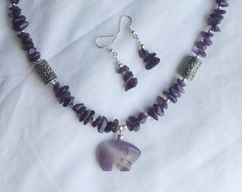 Navajo Made Amethyst Jewelry and Earring set, Amethyst Bear Pendant, Purple Bear Jewelry, Bear Fetish, Navajo Bear Jewelry, Purple jewelry