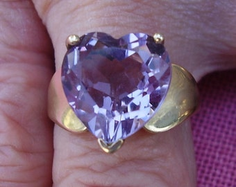 Vintage 10K Yellow Gold Ring with Large Faceted Amethyst Heart  Size 6 3/4
