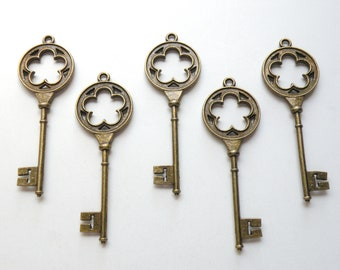 5 Flower key charms extra large vintage inspired steampunk antique bronze brass 78x26mm DB13371