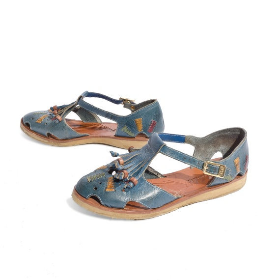 Vintage Cut Out Flat Sandals Blue Woven Leather with Bead and Tassels size 6 M
