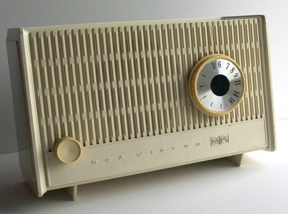 1960's RCA Victor, AM Radio, Mid Century Modern, works