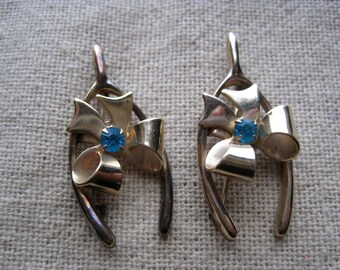 Two Vintage Gold Tone Wishbone & Bows Scatter Pins with Turquoise Rhinestone