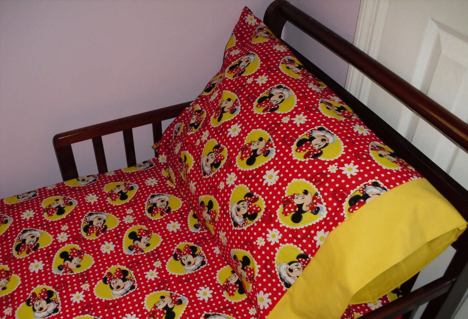 Minnie Mouse Toddler Bedding Fitted Sheet With Standard