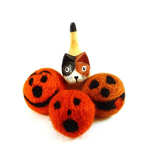 Halloween Cat Toy Catnip - Jack O Lantern Pumpkin Trio