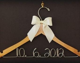 Wedding Dress Hanger, Bridesmaid Gift, Personalized Bridal Hanger, Custom Wire Name Hanger