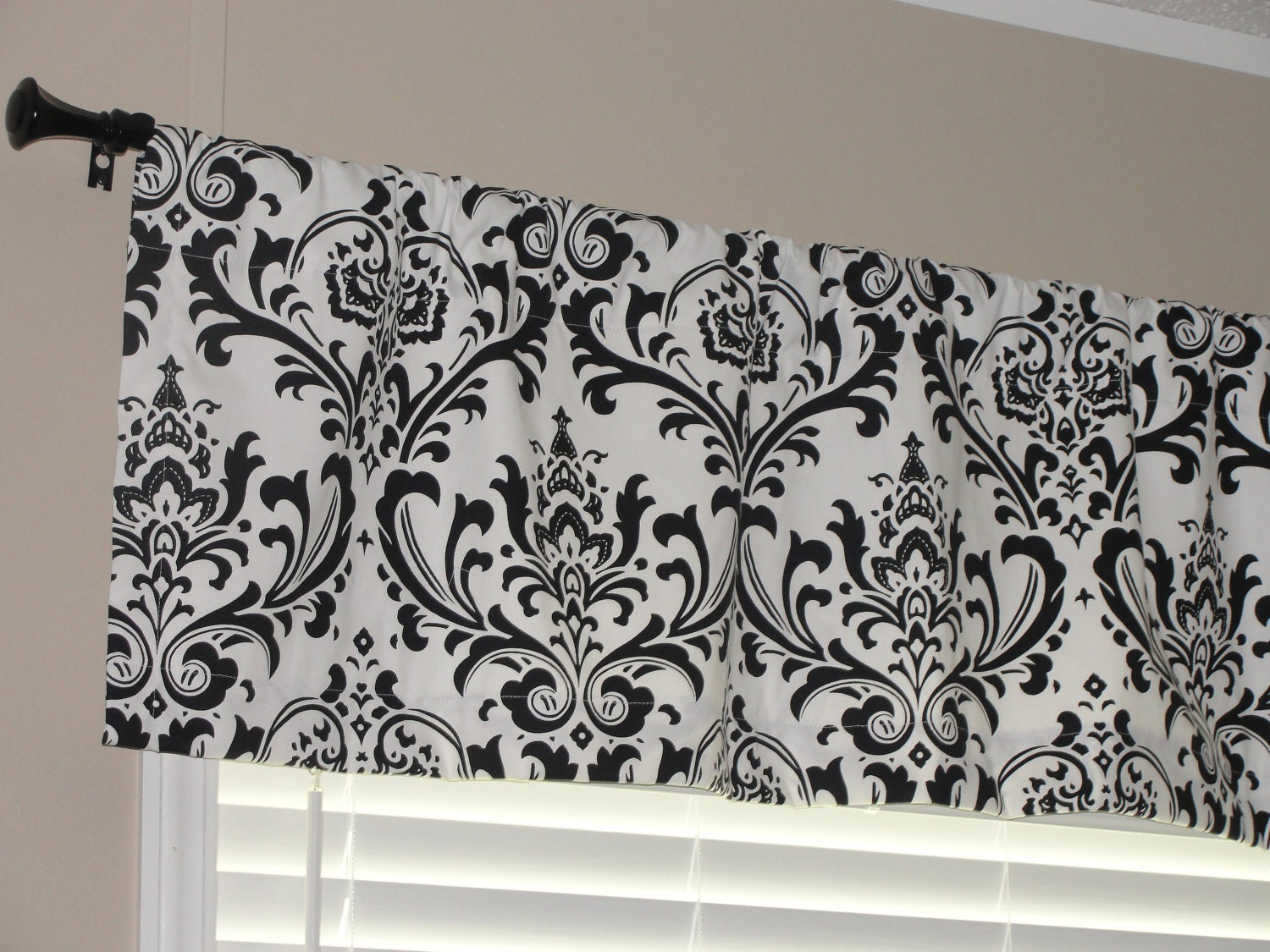 Premier Prints Black and White Damask Valance by LettsSewSomething
