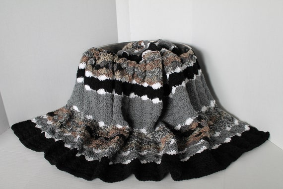 Handmade Shell Pattern Afghan Blanket- Greys