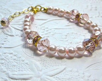 Pink pearls and crystals bracelet. wedding, bridal