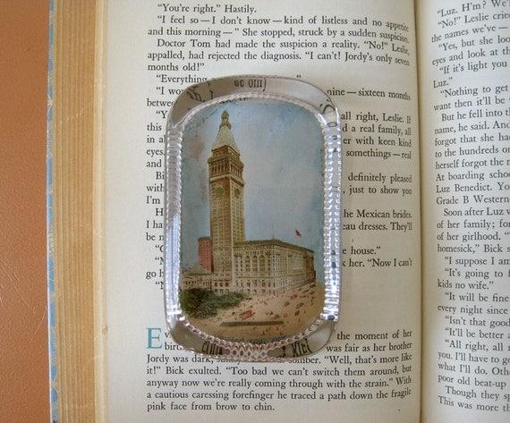 Vintage Metropolitan Life Glass Paperweight