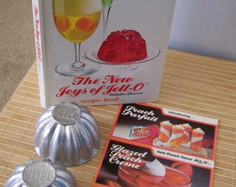 "Vintage 70's ""The NEW JOYS Of JELL-O"" Recipe Dessert book & 2 Jello Mold Cups"