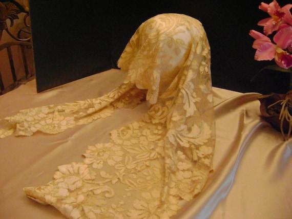 Spanish blonde lace shawl or mantilla. Hand made.