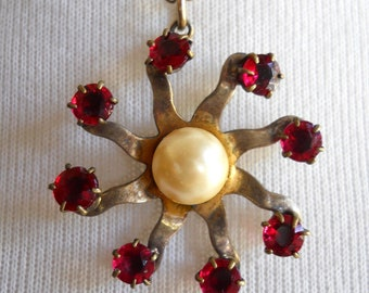 Rare 12K vintage signed Rode' Art Sterling necklace with faux pearl and red rhinestones in floral/star pattern